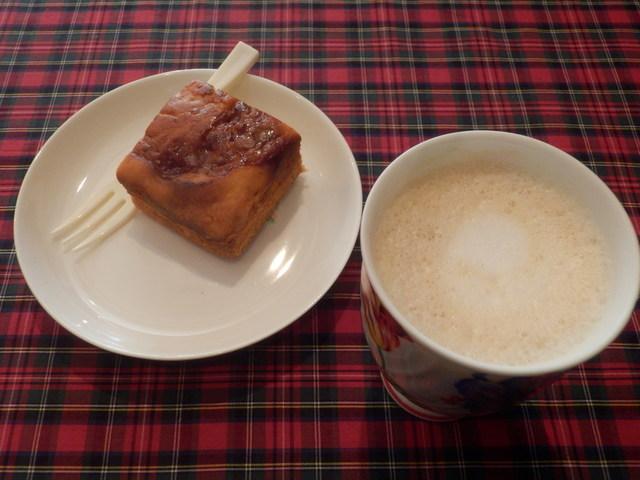 ノラズ コーヒー テーブル
