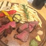 肉ビストロ マルミチェ - 肉2種盛り合わせ(80g×2種)