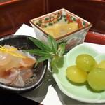 78420609 - 烏賊の塩辛、揚銀杏、鯛の昆布締め(藤 一汁三菜)