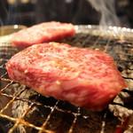 炭火焼肉ぐら - 焼き カルビ