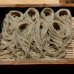 越後十日町小嶋屋 - へぎそば 蕎麦粉と布海苔のみで打ったら蕎麦切り