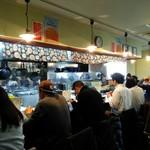 らぁ麺 紫陽花 - 店内