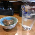 入船屋 - お通し&麦焼酎(白水)
