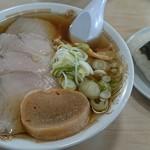 78435248 - チャーシュー麺と、おにぎり(マス)