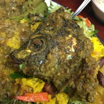 大衆食堂シックダール - ティラピアの頭が埋もれていました