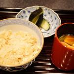 行楽庵 - 生姜ご飯、香の物、赤出汁(2017/8)