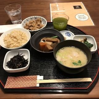 匠サローネ - 一汁五菜膳(お肉)。 税込1200円。 美味し。