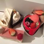 レ・トロワ・ソレイユ - 料理写真:クリスマスにケーキ♡