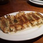 nishijingochoumegyouzayataiyaoman - 黒豚焼き餃子