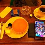 Motomachisantosu - コーヒー、ホットケーキ