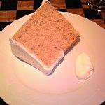 カフェ・ラ・バスティーユ - シナモンのシフォンケーキ