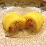 78450194 - 兵庫県産香箱蟹の飯蒸し 網掛け柚子包み