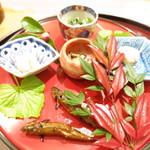 78450234 - 百合根の梅肉和え 菊菜とアーモンドの白和え 秋田県産なまこ 本モロコの炭火焼 たらこ