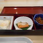 松阪シティホテル - 目玉焼き、焼魚、ごぼう