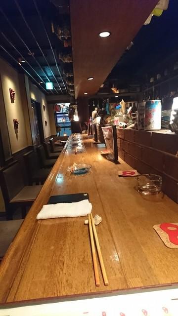 アダン 京都駅店 - カウンターから奥をとってみました!そう!一番乗りでお店に入りました♪