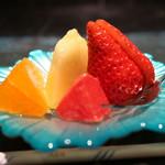 肉や大善 - グレープフルーツ、オレンジ、章姫、クラウンメロン