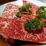 焼肉 充 - ⑥厚和牛上ロース2枚