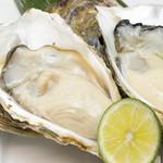 つきぢ神楽寿司 - 真牡蠣