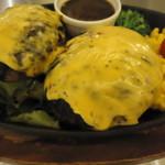 肉の村山 - ダブルチェダーチーズハンバーグ