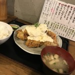 山角 - チキン南蛮定食、900円。(税込み)