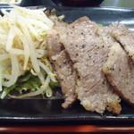 肉屋食堂 たけうち - とろカルビ定食(お肉増量)