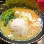 たくみ家 - 醤油ラーメン (750円)