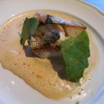 メゾン・バルサック - 本日おすすめ鮮魚のポワレ オマール風味の軽いソース