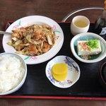 ちりれんげ - ホルモン定食