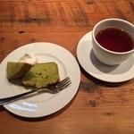ラ ココリコ - 抹茶のパウンドケーキ、紅茶