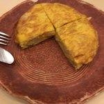 スペイン料理銀座エスペロ - ジャガイモのオムレツ