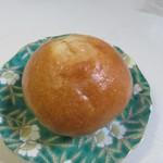 ベーカリージジ ジジのぱん屋 - 料理写真:くるみパン140円。