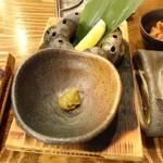 浜焼太郎 - 串焼きは柚子胡椒とレモンで