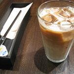 タバサ - クレープセットのカフェオレ