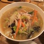 中華naきもち - 野菜たっぷり湯麺