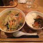中華naきもち - 野菜たっぷり湯麺+中華丼 830円