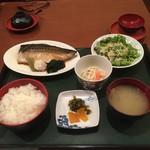 呑ん太 - 料理写真:煮魚定食(サバの煮付)  720円