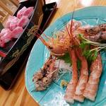 みなと市場 小松鮪専門店 - 「特大赤えび」