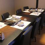 ちゃんこ北野 - 二階席は全席テーブル席