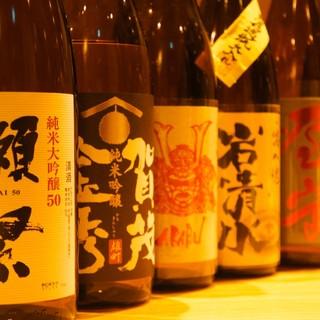 そば屋の粋なつまみとこだわりの焼酎・日本酒をご用意しています