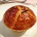 レストラン シェ・オカ - 白子とボルチーニ 白菜のパイ包み 柚子風味
