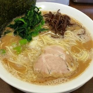 うまいヨゆうちゃんラーメン - 料理写真:ラーメン(細麺) 700円