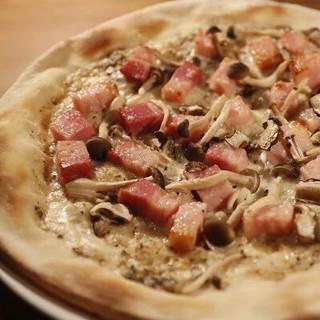 ホテルオークラ出身シェフ監修のピザやパスタをご堪能ください!
