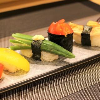 目でも楽しめる創作寿司