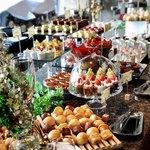 ペントハウス - 料理写真:美しいブッフェ台