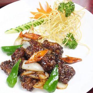 美味しさの秘訣は手作りにあり。本場四川の職人が腕を振るう中華