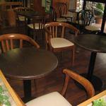 レストハウスやまなみ - 店内テーブル席