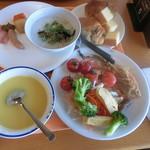レストランサンライズ - もってきた料理 朝