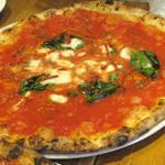 78509774 - 【ランチ】 マルゲリータ ラ ピッツァ ナポレターナ \600 モッツァレラチーズ+キノコ
