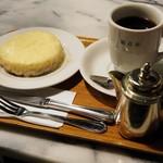 観音屋 - デンマークチーズケーキセット