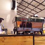 RHC CAFE - 1712_RHC CAFE 大阪店_店内(カウンター) ここで注文します